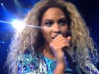 Beyoncé dała swojej fance mikrofon podczas piosenki
