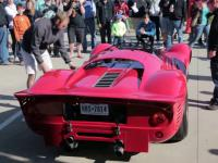Włącz i posłuchaj pracującego silnika Ferrari 330 P4
