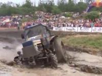 Szaleni rosyjscy traktorzysci – Prawdziwy Off Road na traktorach!