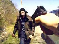 Nożownik z Ohio napada na policjanta