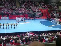 Tak się bawią polscy kibicie na trybunach!