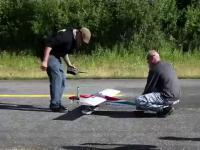 Odpalanie zdalnie sterowanego samolotu