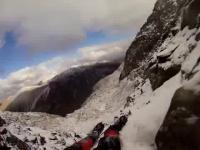 Przerażające nagranie POV z wypadku przy lodowej wspinaczce