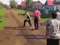 Policyjny pościg na wsi w Rosji