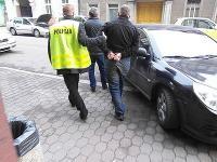 Samozwańczy szeryf z Zabrza zajechał drogę i wyciągnął broń. A w środku byli policjanci