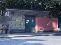 Grafficiarz vs ekipa zamalowywująca graffiti