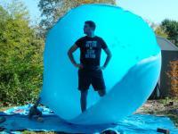 Wewnętrz ogromnego balonu - The Slow Mo Guys