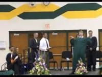 Rudy odbiera dyplom