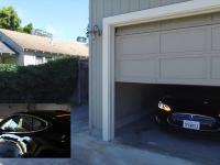 Posłuszna Tesla wykonuje polecenie zadane za pomocą Amazon Echo