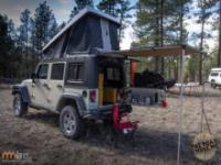 Mobilny dom zrobiony z Jeepa