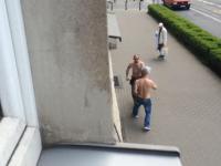 Oddaj mój telefon. Mała sprzeczka w spokojnej dzielnicy Wrocławia