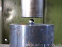 Kilka ciekawych gadżetów wpada pod prasę hydrauliczną