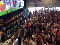 Angielscy kibice w barze