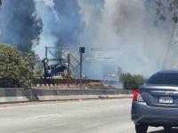 A tak w Los Angeles strażacy dostają się w rejon pożaru