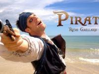 Remi Gaillard jako Pirat