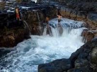 Niebezpieczne miejsce do pływania - Kauai na Hawajach