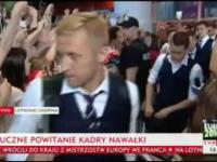 Przywitanie reprezentacji Polski z powrotu z Euro 2016 na lotnisku Chopina w Warszawie
