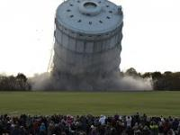 Kompilacja z rujnowania wież i stadionów