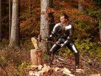 Przykładowy trening w zbroi z XV wieku