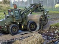 Współczesne wojskowo-inżynierskie maszyny dla szybkiego torowania mobilnych dróg