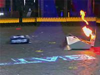 Kowal VS Minotaur - efektowna walka zdalnie sterowanych robotów