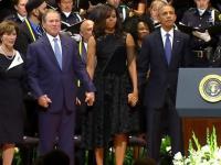 George Bush świetnie się bawi na pogrzebie policjantów z Dallas
