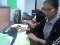 Kobieta robot, czyli przdłużenie klawiatury komputerowej