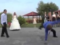 Pan młody na weselu - Nikt by się po nim tego nie spodziewał