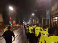 Ludzie dziękują Policji za ciężką służbę podczas Światowych Dni Młodzieży