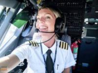 Bardzo atrakcyjna pani pilot