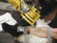 Rewolucja sposób na robienie tatuażu przez maszynę