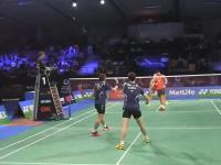 Efektowna wymiana zagrań w badmintonie