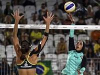 Egipcjanki - Niemki, plażowa siatkówka kobiet. Kontrast kulturowy.
