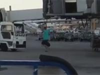 Spóźniony pasażer gonił samolot Ryanaira… na płycie lotniska