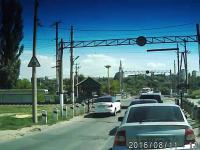 Szybka karma na przejeździe kolejowym