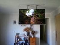 Wysuwany telewizor w suficie