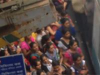 W Indiach wsiadamy do pociągu tak