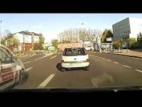 Dziwne i niezrozumiałe zachowania kierowców.