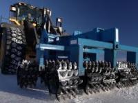Mega maszyny: Monstrum kruszarka lodów i zniszczenie produktów sankcji w Rosji