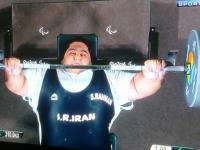 Olimpijczyk bez nóg wyciska 310 kg!