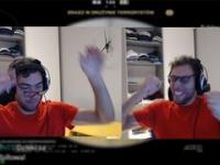 Wściekły Jerzy Janowicz po meczu w CSGO o 1200$ niszczy klawiaturę, kamerę i monitor