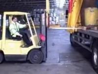 Operator wózka widłowego z dobrym skillem