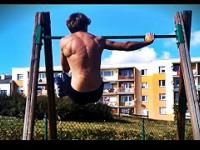 Top 12 Najlepszych ćwiczeń na plecy bez siłowni