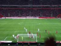 Bramka Roberta Lewandowskigo w 95 minucie meczu nagrana z trybun
