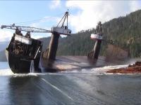 Wyładunek drewna ze statku, Kanada