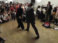 Taniec swingowy - czyli jak się bawią profesjonalni tancerze