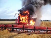 Bagienne Potwory: Śmierć Traktorów, Kombajnów i Ciężarówek w bagnie i ogniu