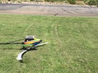 Dziwne manewry w wykonaniu mini helikoptera