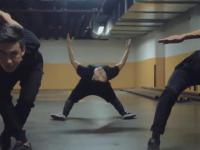 Niezwykle elastyczni tancerze
