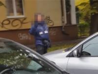 Tak zachowuje się pracownik strefy parkowania w Szczecinie